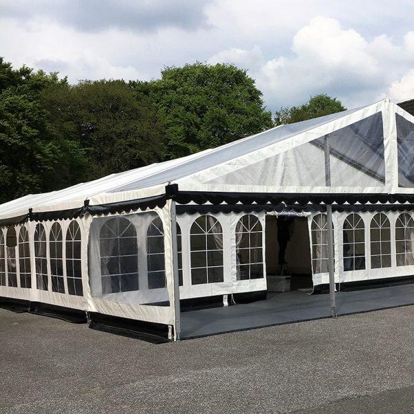 9 meter telt med terrasse og skylight