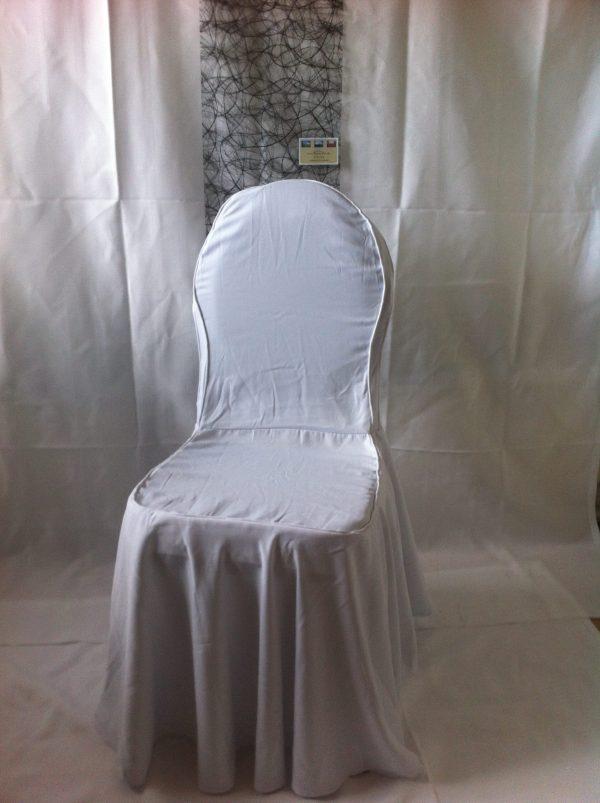 Billedet viser et overtræk til banquetstole, som du kan leje, når du lejer stole hos Tommy Telt.