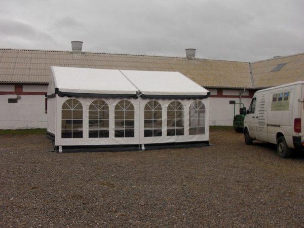 Hvidt telt 3x6 meter til udlejning hos Tommy Telt