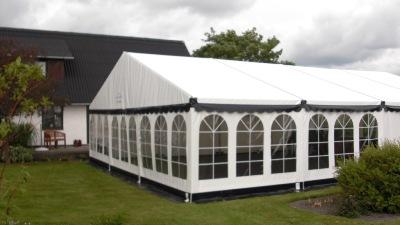 Festtelt fra tommy telt i hvid også kendt som Telt 9x9