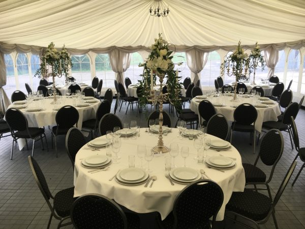 Flot dekorationsstof til telt i hvid også kaldet innerline fra Tommy Telt