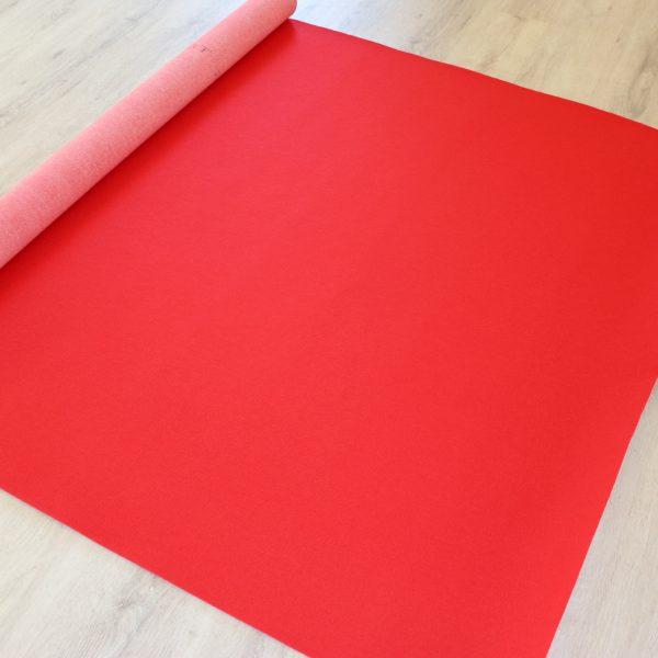 her ser du Rød Løber fra Tommy telt i farven rød