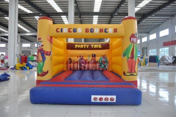 Her ser du Hoppeborg udlejning af Hoppeborg Cirkus fra Tommy Telt.